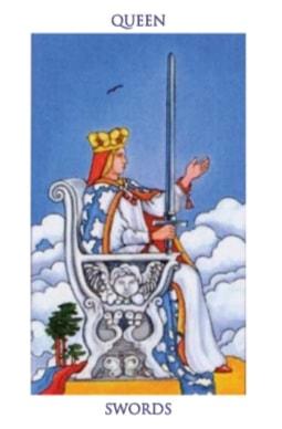 https://futooro.com/wp-content/uploads/2018/11/Cartas_tarot_reina_espadas.jpg